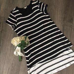 Pleione Black & white two length tunic Size Large